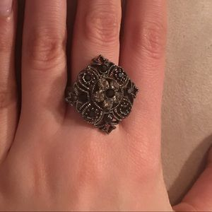 Jewelry - 💥 Filigree Antique Looking Ornate Ring
